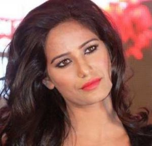 Poonam Pandey Biography | Age, Figure, Height, Family